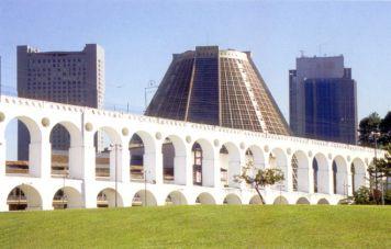 Arcos da Lapa aqueduct in front of Catedral Metropolitana
