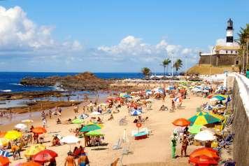 Praia da Barra beach and the Barra lighthouse